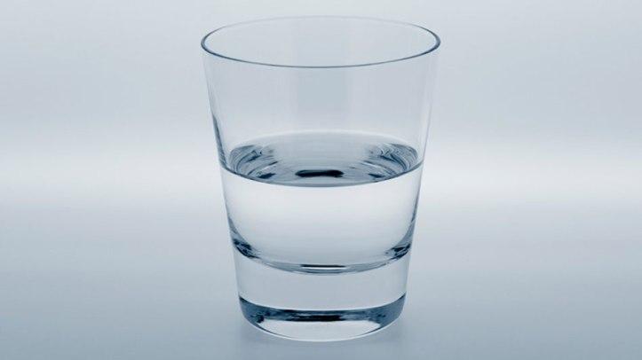 201208-omag-quiz-half-empty-glass-949x534